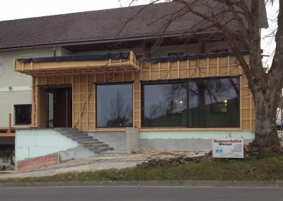 Einbau großer Fensterelemente Gasthaus Sandner Linde